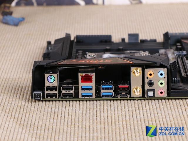 0接口),ps/2键鼠接口一个,rj-45网络接口一个,四个usb 2.
